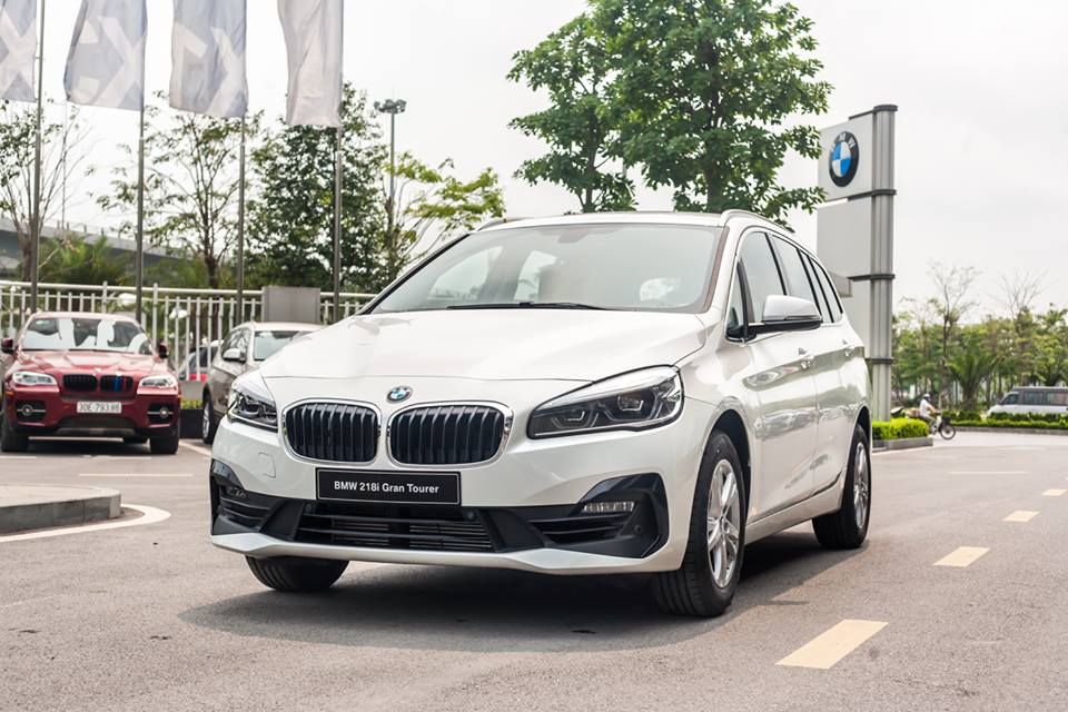 hinh anh bmw 218 series