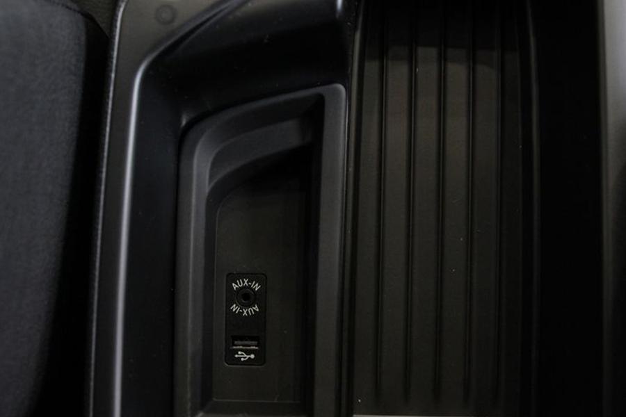 BMW 118i - Hình 14
