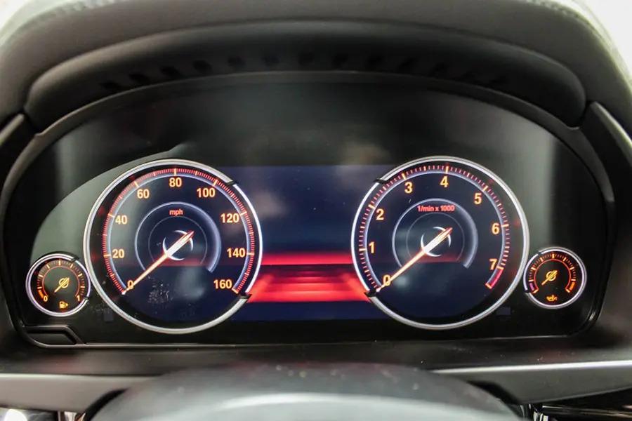 BMW X6 xDrive 35i (Máy xăng) - Hình 22
