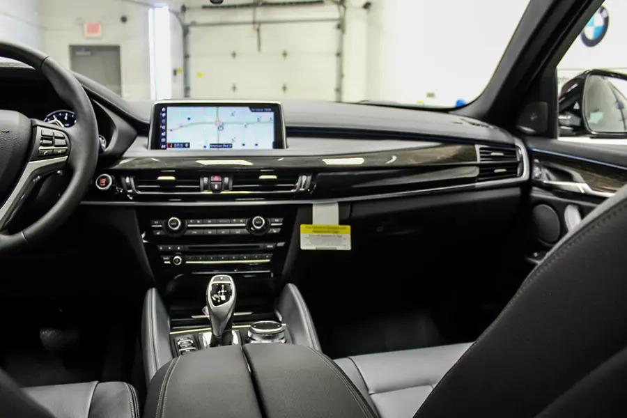 BMW X6 xDrive 35i (Máy xăng) - Hình 24