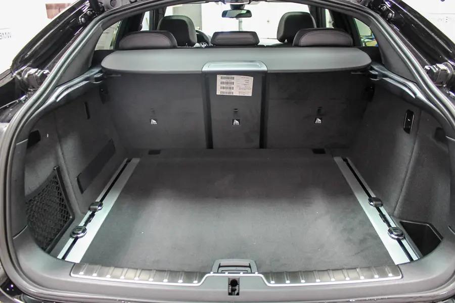 BMW X6 xDrive 35i (Máy xăng) - Hình 25