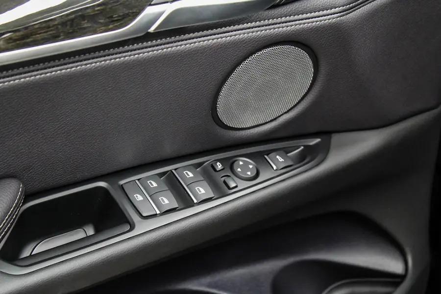 BMW X6 xDrive 35i (Máy xăng) - Hình 31